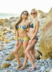Alex and Nina Bi-Kinis Picture 4