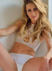 Leah Lias Photo Series Picture 10