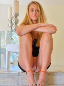 Victoria Six Feet With Heels Picture 2